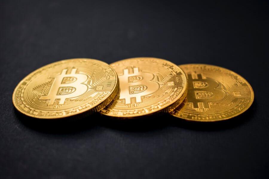 Platby vBitcoinech velkým hackerským skupinám dosáhly 60 milionů dolarů